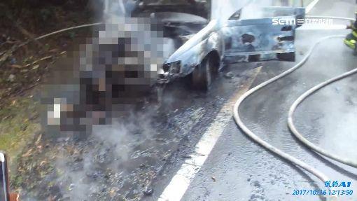 詭異! 修車引擎蓋突砸 駕駛遭夾燒成焦屍