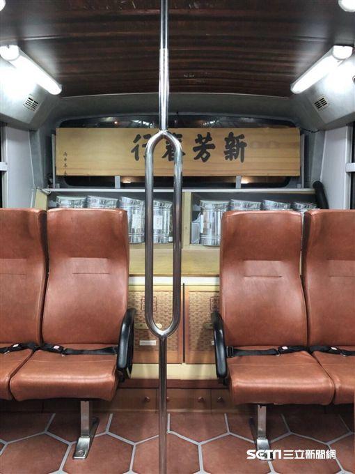主題公車,綠17,舊城觀光公車,大稻埕。(圖/北市觀傳局提供)