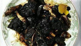 三杯雞,初學者,木炭,菱角,地獄,料理,黑暗料理界 圖/翻攝自臉書爆料公社
