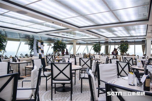 歌詩達新浪漫號、10樓自助式餐廳 圖/記者林敬旻攝