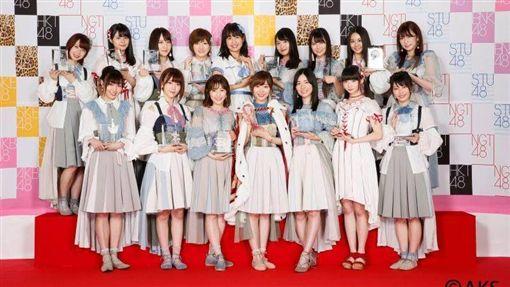 AKB48圖翻攝自AKB48臉書https://www.facebook.com/pg/akb48.member/photos/?ref=page_internal