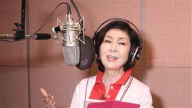 為慈善進錄音室 白嘉莉獻唱旅居印尼有最美麗主持人稱號的藝人白嘉莉和印尼慈善基金會合作,錄製慈善歌曲。中央社記者周永捷雅加達攝 106年10月17日