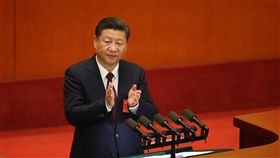習近平新任期 政府主導經濟與國企中共19大專題中共19大18日上午開幕,預料中共總書記習近平能順利連任,成為中國大陸未來5年領導人。但外媒指出,北京經濟政策的優先任務已轉向政府主導經濟和支持國有企業。中央社記者吳家昇北京攝 106年10月18日