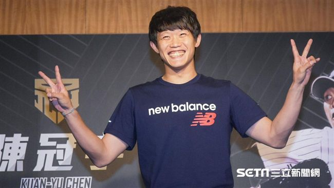 旅日投手陳冠宇返台記者會 圖/記者林敬旻攝