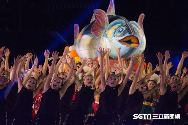 ▲106年全國運動會開幕典禮,「海」為主軸之一。(圖/記者蔡宜瑾攝影)