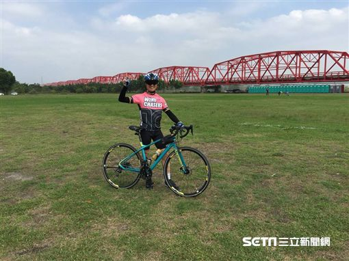 前行政院長江宜樺騎單車環島 翻攝臉書
