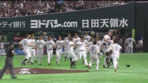 確定晉級日本一的軟銀(圖/翻攝自洋聯TV)
