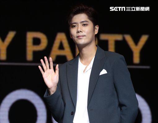 韓星SS301金奎鐘為「韓魅力」活動來台站台。(記者邱榮吉/攝影)
