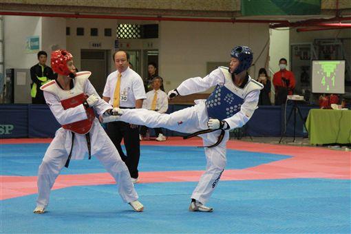 ▲林浩傑(左)於全運會擊敗學長魏辰洋(右)。(圖/全運會提供)