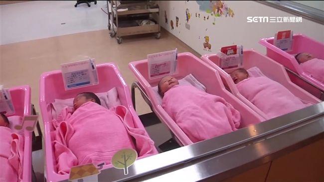 搶救生育率 政院拍板:擴大不孕症補助對象及提高產檢次數