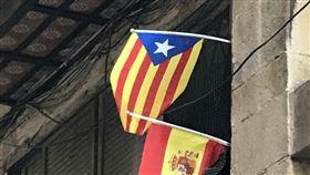 加泰隆尼亞脫西陷僵局  如颱風眼暫平靜巴塞隆納經歷自決公投和罷工抗議後,市區運作如常,看似平靜,但與西班牙中央政府對峙難解,誰也不知道未來幾天情勢會如何發展。中央社記者曾依璇巴塞隆納攝  106年10月5日