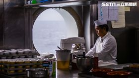 歌詩達新浪漫號、中央廚房食材準備、甜點 圖/記者林敬旻攝