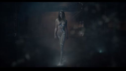 泰勒絲新歌《...Ready For It?》MV片段。(翻攝自youtube)