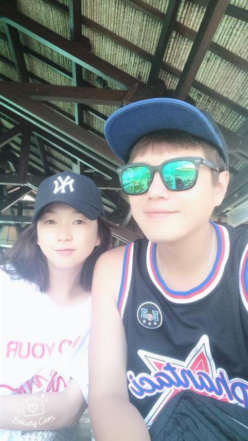 六月和李易到峇里島度假拼第三胎,反而食物中毒上吐下瀉。(翻攝自六月臉書)