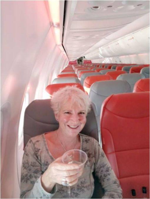 包機,飛機,Karon Grieve,蘇格蘭,希臘,克里特島,JET2,英國 圖/翻攝自鏡報