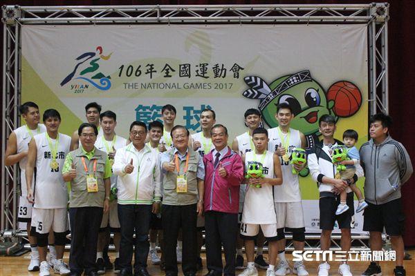 ▲新北市拿下106年全國運動會男子籃球金牌。(圖/記者蔡宜瑾攝影)