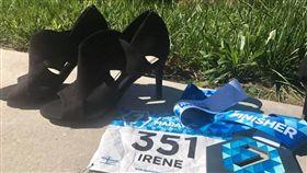 高跟鞋,馬拉松,比賽,金氏世界紀錄,美國,意志力,神人 https://www.facebook.com/photo.php?fbid=10154947182919080&set=pb.741724079.-2207520000.1509080748.&type=3&theater