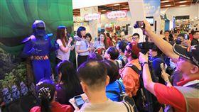 台北國際旅展亮點 桃捷女孩與關空戰士相會擦出火花