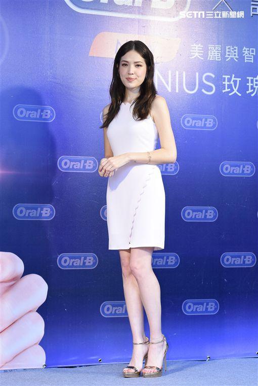 許瑋甯為電動牙刷品牌活動擔任一日店長與粉絲近距離互動