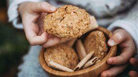 餅乾,給予,幫助 圖/翻攝自pixabay