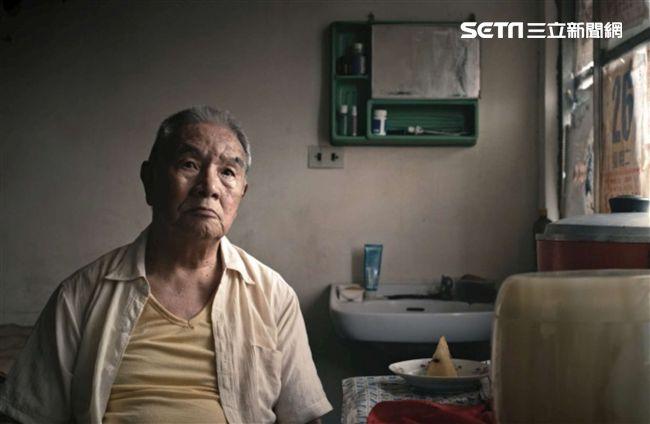 81歲男星演全裸嫖妓:差點晚節不保
