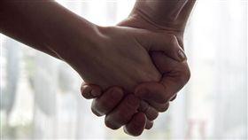 情侶,交往,男友,女友,穩交,牽手/pixabay