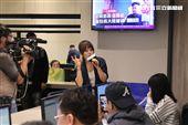 戴愛玲接受三立新聞網安安大明星直播現場high翻天。(記者邱榮吉/攝影)