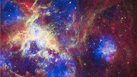 美國國家航空暨太空總署(NASA)為了應景,在萬聖節前夕推出「宇宙專輯」,將我們人耳聽不到的宇宙聲音收錄在專輯中(圖/翻攝自NASA推特)