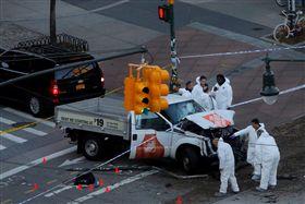 紐約卡車撞人案!嫌犯據報為烏茲別克移民 圖/路透社