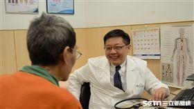 台北慈濟醫院心臟血管外科主任諶大中指出,隨著國人飲食習慣和生活習慣的改變,心臟衰竭的發生率越來越高。(圖/台北慈濟醫院提供)