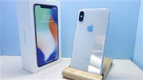 Iphone X開箱,鄭蛋蛋(翻攝自3c部落客鄭蛋蛋)