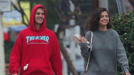 賽琳娜,Selena Gomez,小賈斯汀,Justin Bieber,賈賽戀,復合,威肯,約會 (圖/翻攝自推特)