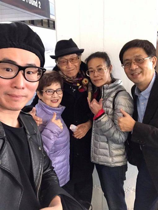 傅達仁和家人一起到瑞士。(圖/翻攝自傅達仁臉書)