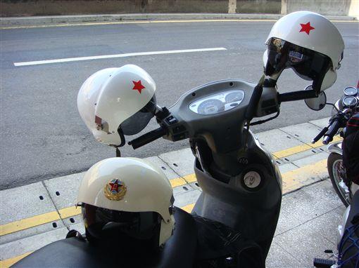 安全帽圖/攝影者歐蒐雷米歐, Flickr CC Licensehttps://flic.kr/p/3ybNhf