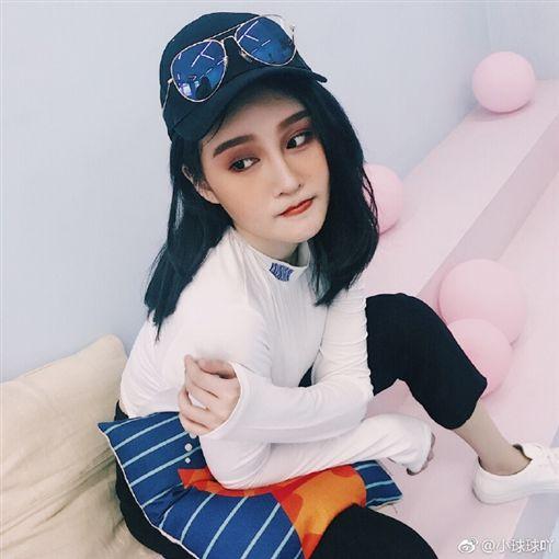 趙珈萱(趙一涵)是大陸國寶藝人趙本山愛女/翻攝自微博