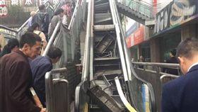 中國大陸,重慶,電扶梯,手扶梯,崩塌(微博)