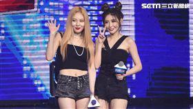 韓國女星泫雅與歌手丁噹.愷樂受邀出席