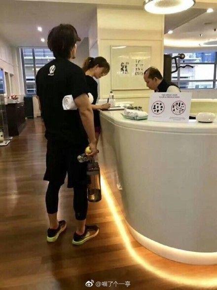 林志玲和言承旭被網友拍到一起上健身房。(圖/翻攝自微博)