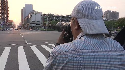 捕捉「曼哈頓懸日」 一早分隔島置腳架搶拍美景