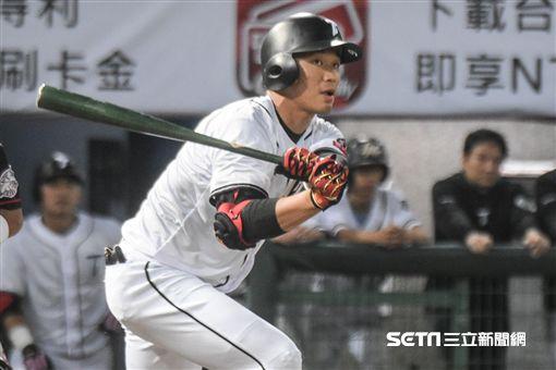 亞冠賽熱身賽台灣代表隊王柏融 圖/記者林敬旻攝