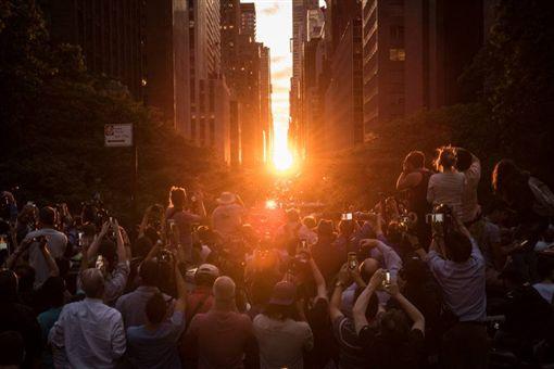 紐約曼哈頓懸日(翻攝自網路)