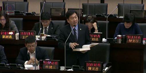 故鄉「西庄→東西庄」…阿扁不滿 致電賴清德:不能不見!圖/翻攝自台南市議會