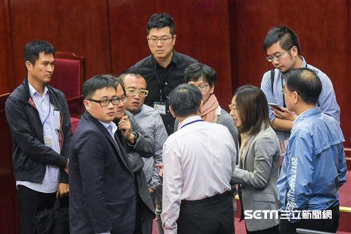 台北市長柯文哲、辦公室主任蔡壁如 圖/記者林敬旻攝
