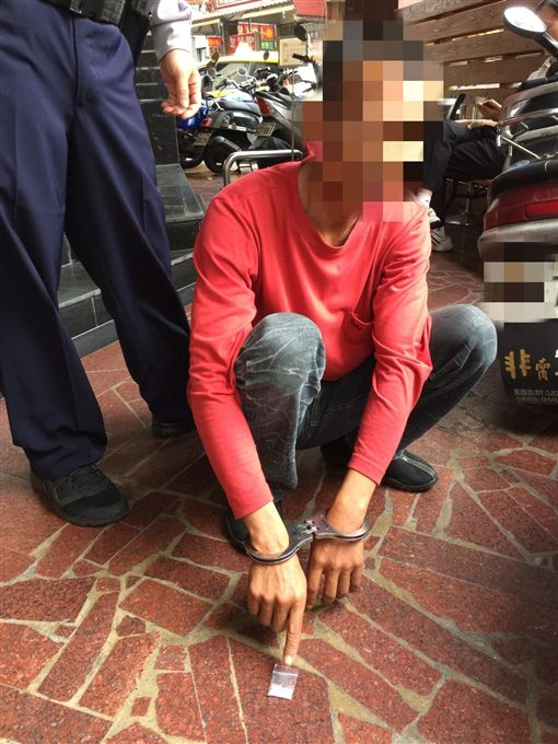 夫妻吵架來台散心…男子見警巡邏超慌張 菸盒藏毒遭查獲圖/警方提供