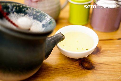 孫紅茶行,茶葉,香精,天然,添加香精,香精茶,陳茶李鴻典攝