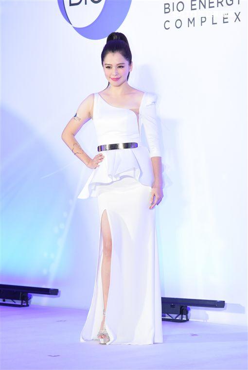 徐若瑄優雅出席保養品牌代言活動