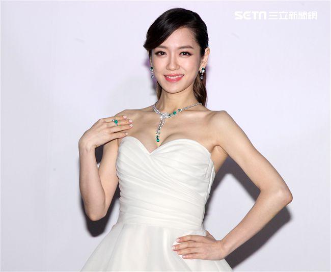 楊千霈懷孕後首度露面出席伯爵珠寶展。(記者邱榮吉/攝影)