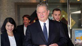 前美副總統高爾訪台前美國副總統高爾(Al Gore)(前右)低調訪台,16日在台北出席電動車廠商員工大會。中央社記者張皓安攝 106年11月16日