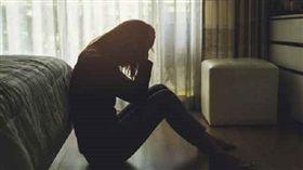 失眠、哭泣、壓力大/達志影像/美聯社