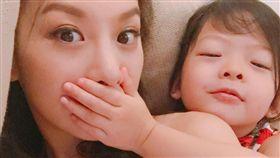 艾莉絲,梨梨(圖/翻攝自臉書)
